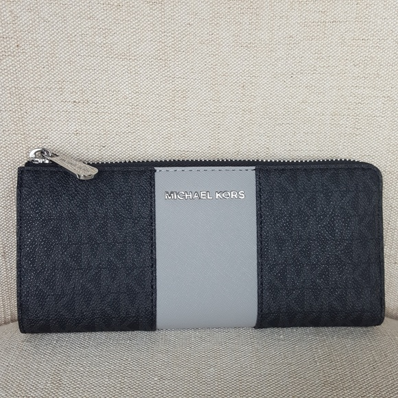 a277274d1e76 MICHAEL Michael Kors Bags   Nwt Michael Kors Lg Stripe Wallet Black ...